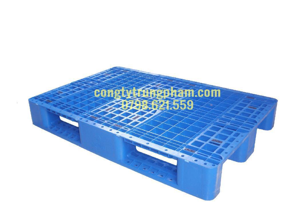 Pallet nhựa xanh chân suốt 1000x1200x150