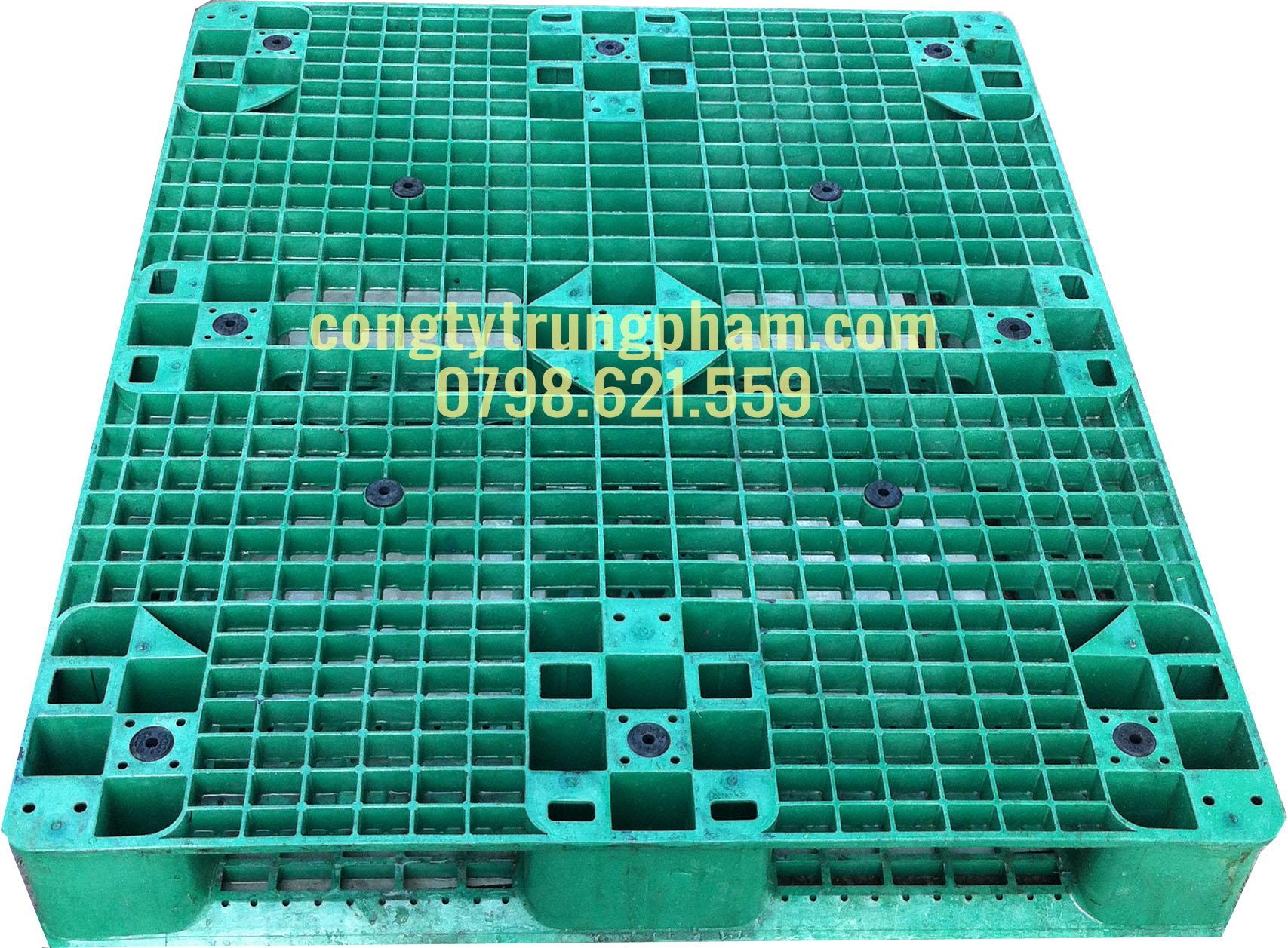 Pallet nhựa màu xanh lá 1000x1200x150